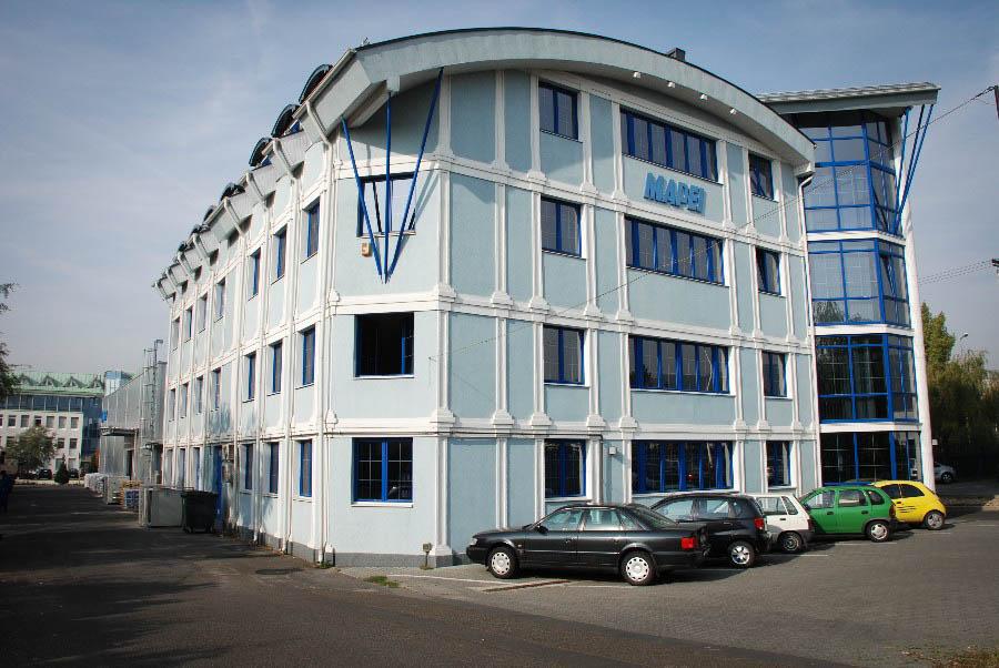 Mapei irodaház és új raktári csarnok